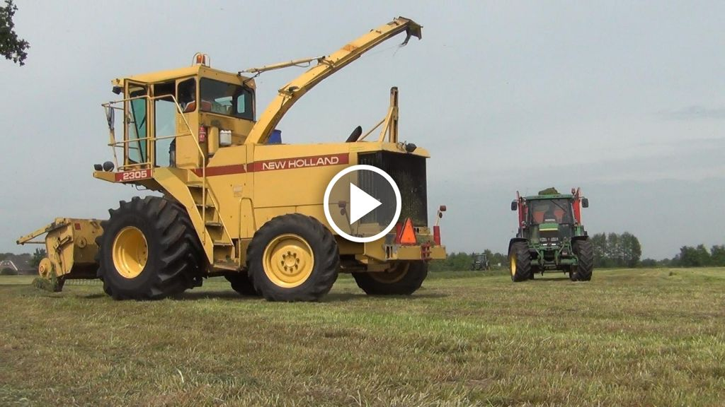 Video New Holland 2305