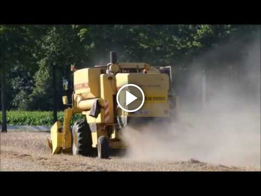 Video New Holland TX 32