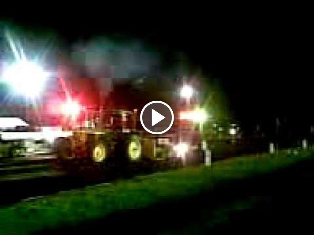 Video John Deere 3140