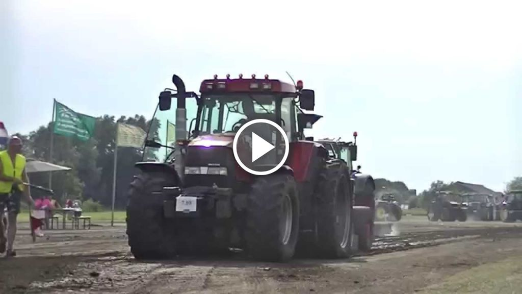 Wideo Case IH Maxxum MX 135