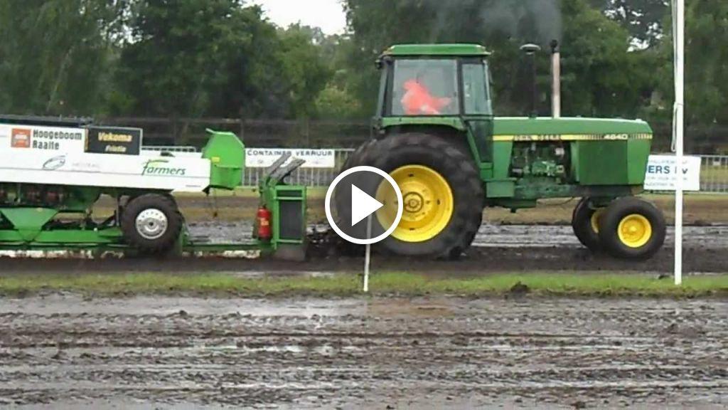 Wideo John Deere 4640