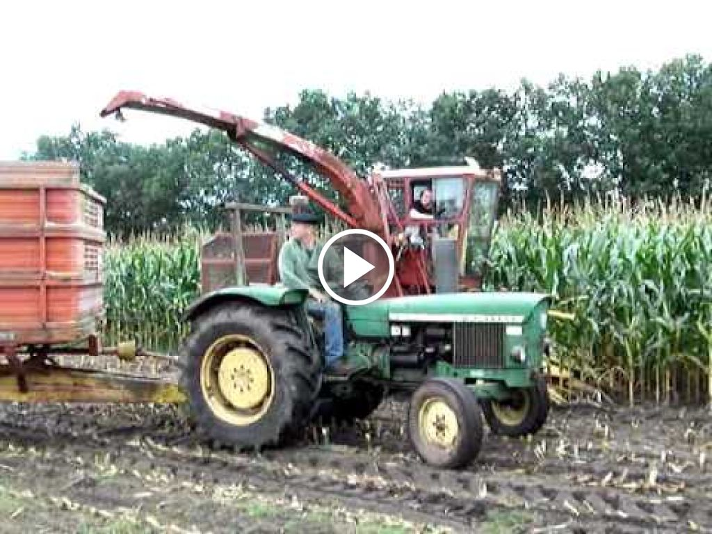 Video New Holland 1880