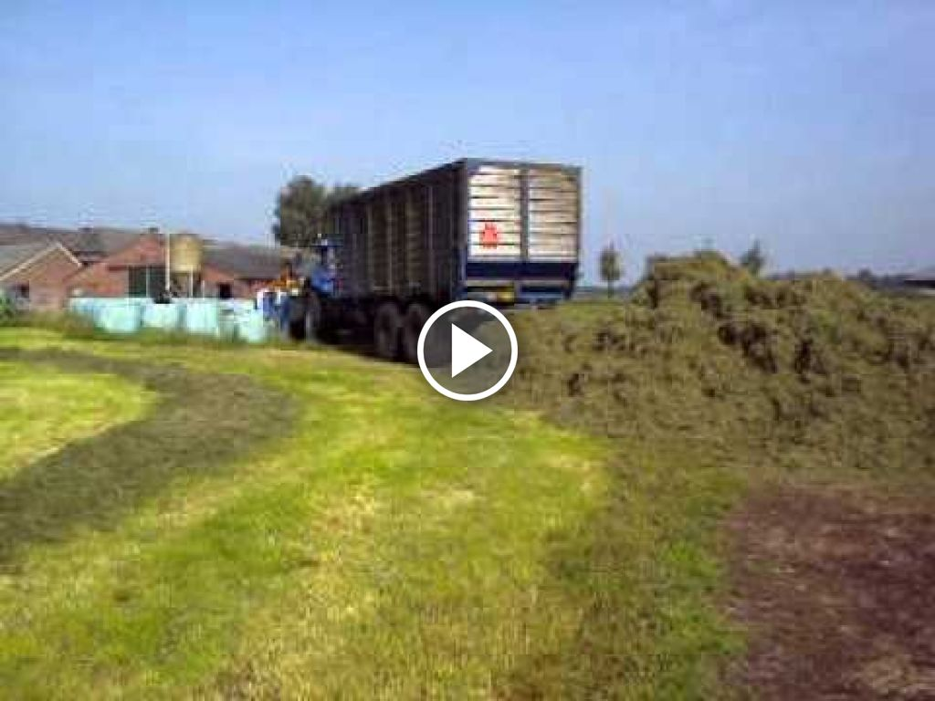 Video New Holland TVT 195