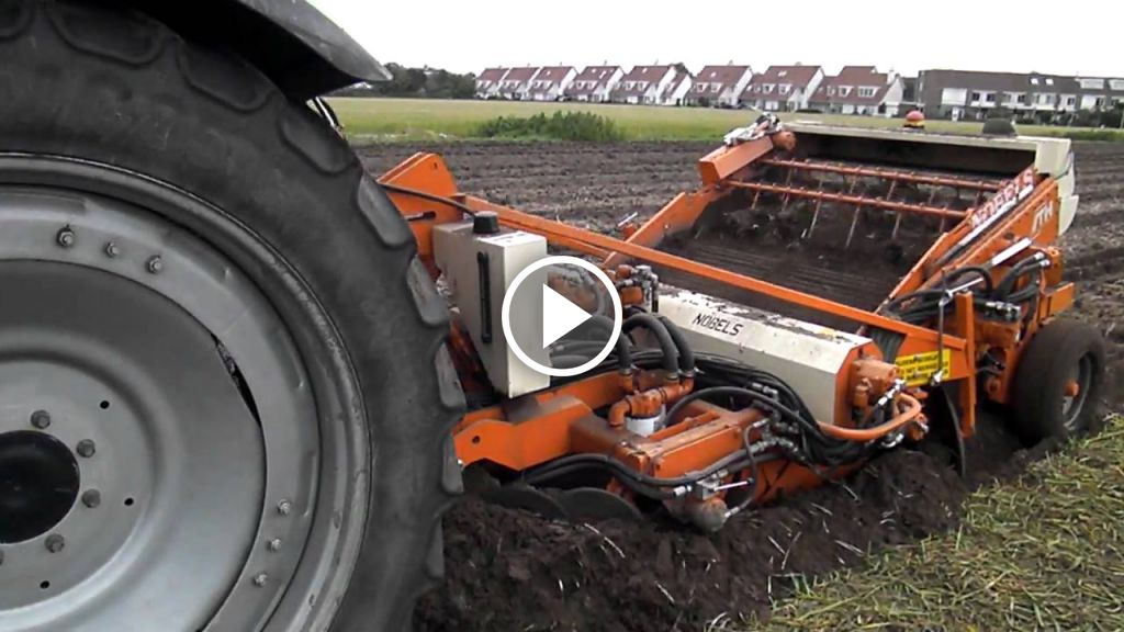 Video Deutz-Fahr Agrotron 115