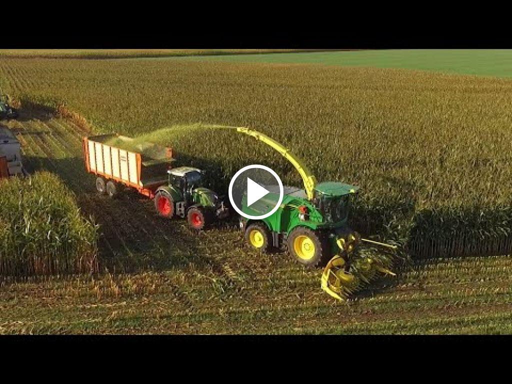 Video John Deere Hakselaar