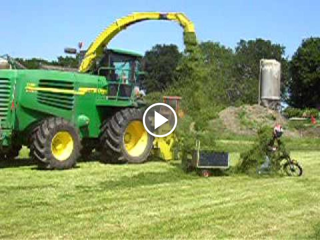 Video John Deere Hakselen