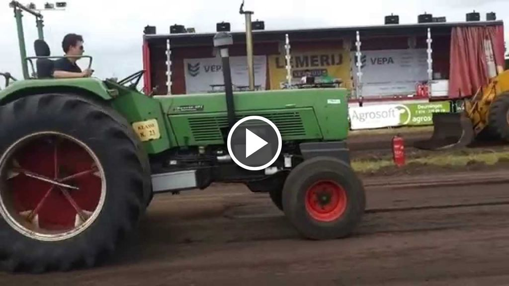 Video Fendt 611 s