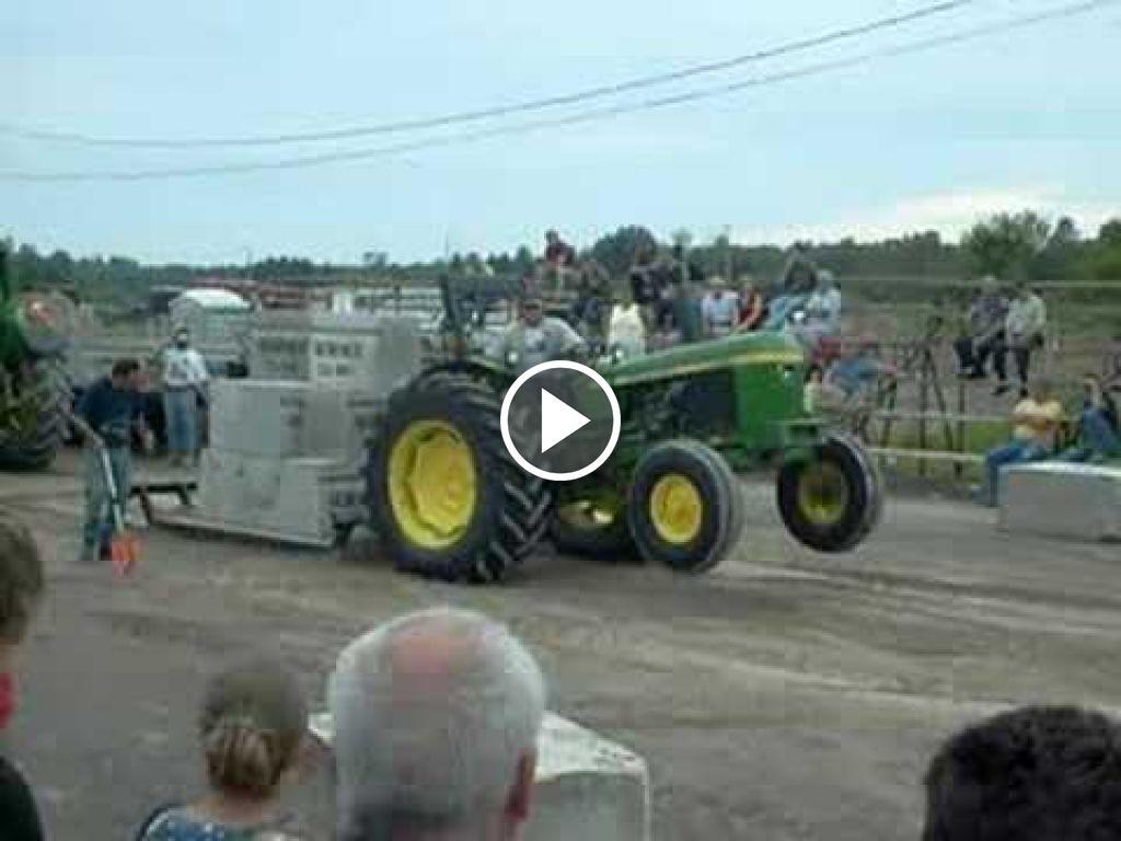 Video John Deere 2130