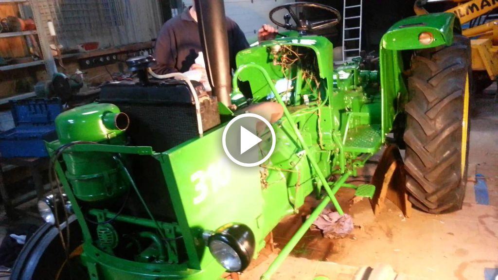 Wideo John Deere 310
