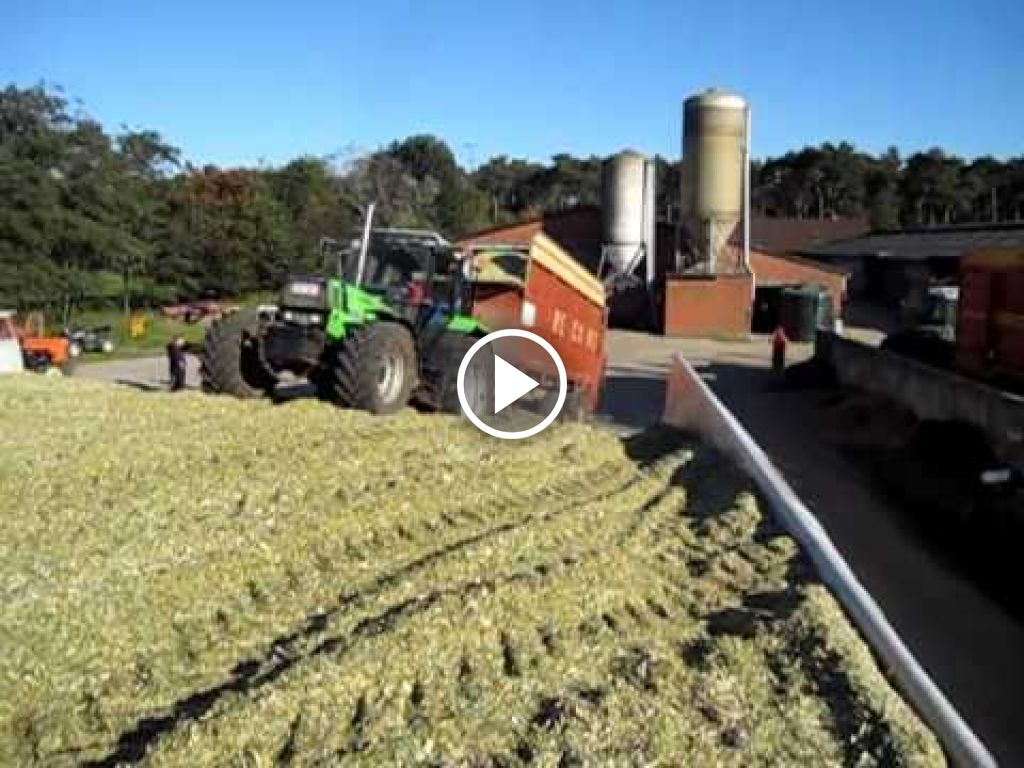 Video Deutz-Fahr DX 6.11