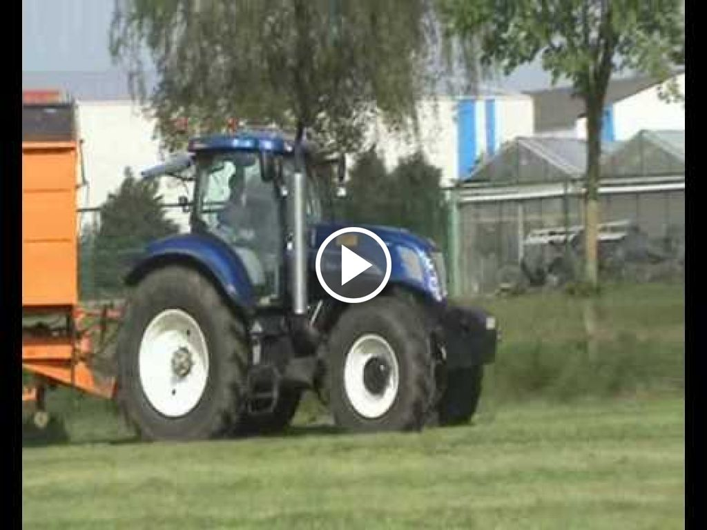 Video New Holland T 7070