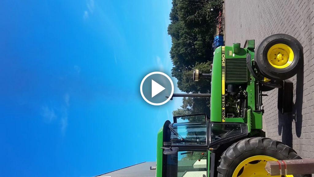 Wideo John Deere 2040
