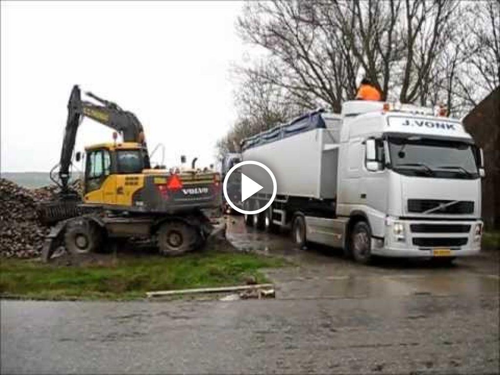 Video Volvo EW 160C