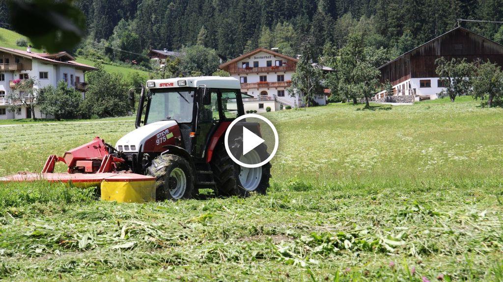 Videó Steyr 975
