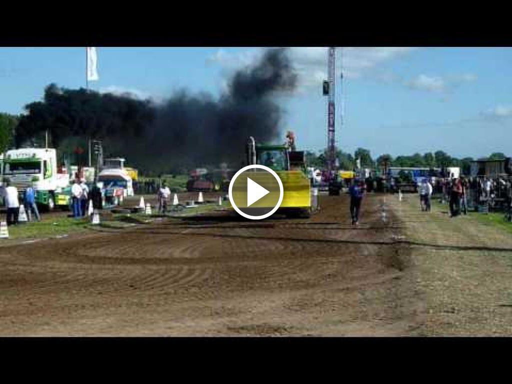 Video John Deere 9200