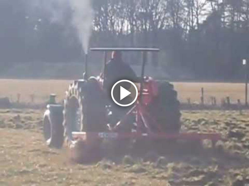 Vidéo Massey Ferguson 65