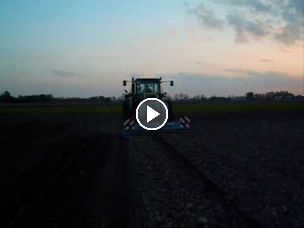 Video Claas Axion 810