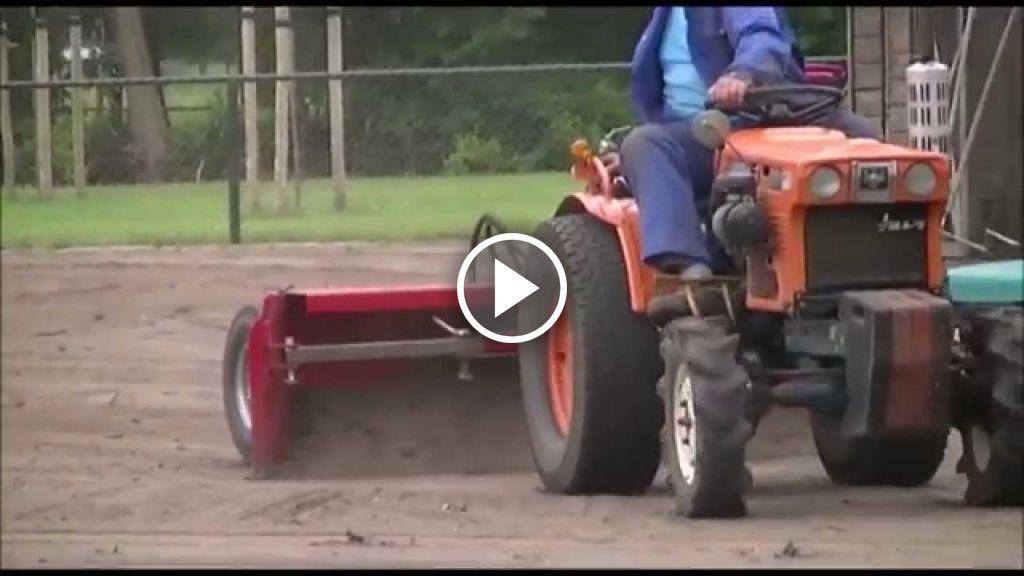 Video Kubota B7001