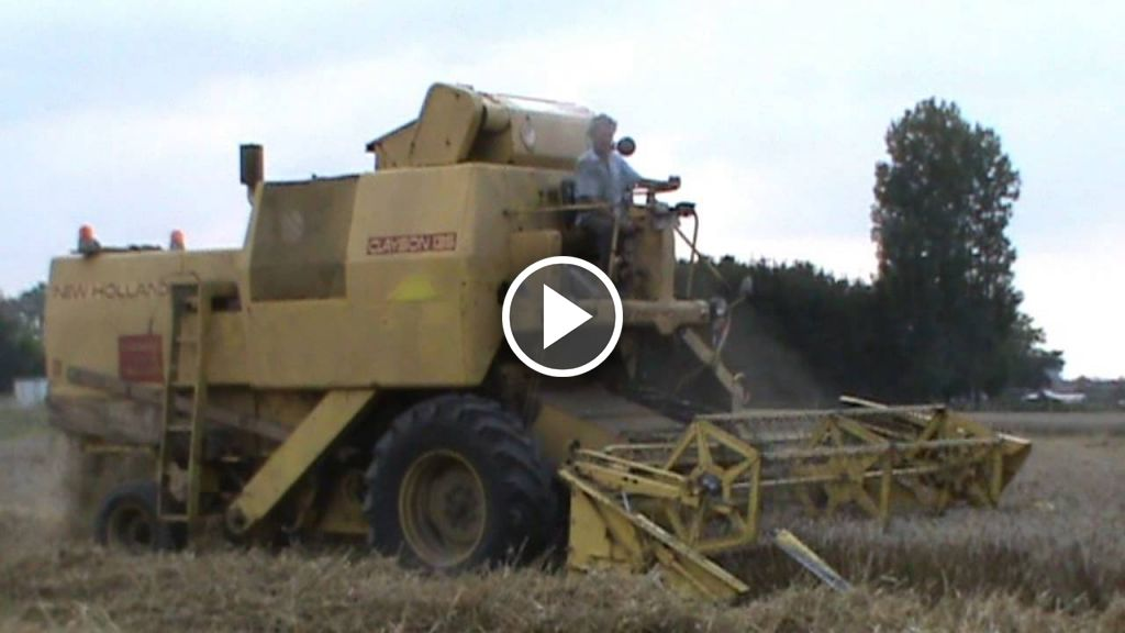 Video New Holland clayson M 135