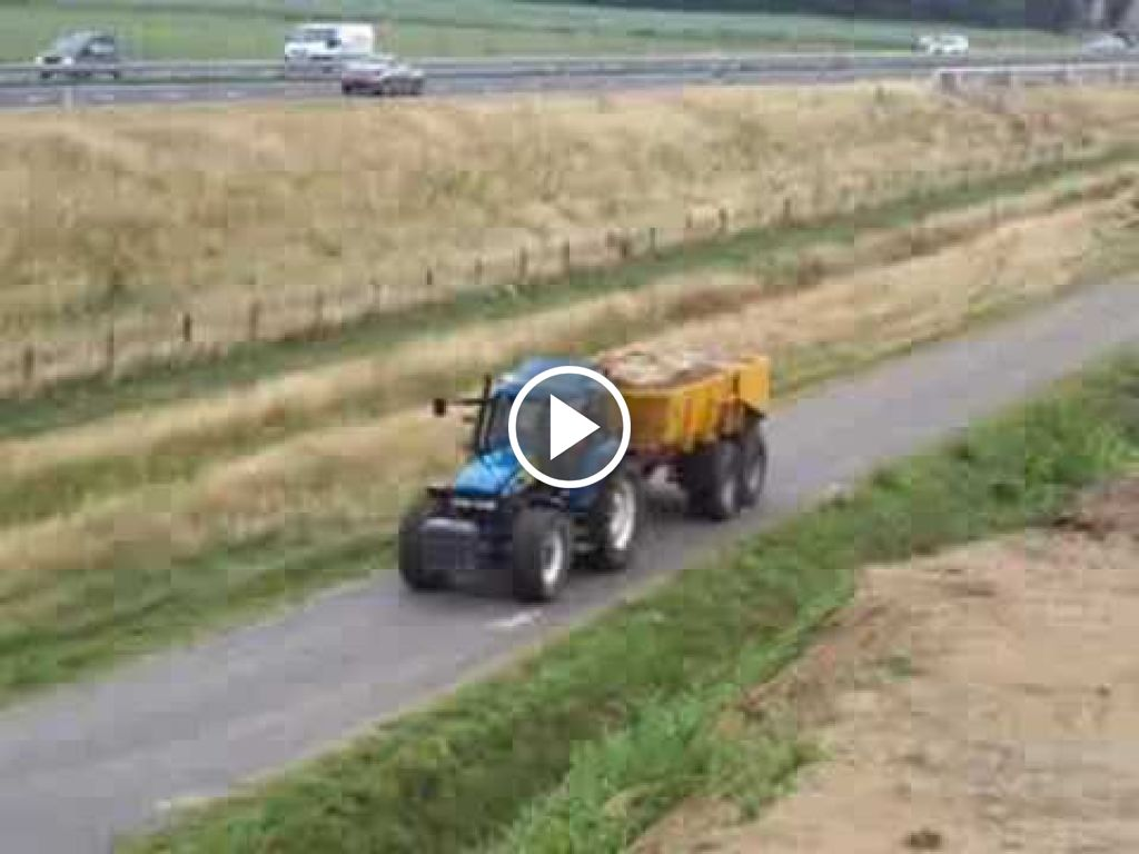 Video New Holland 8560