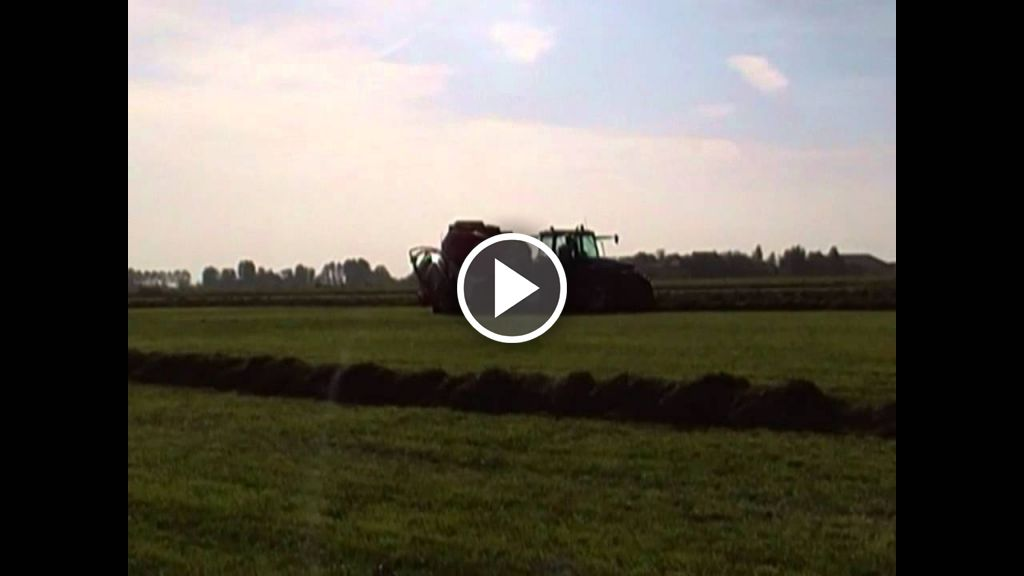Video New Holland 8260
