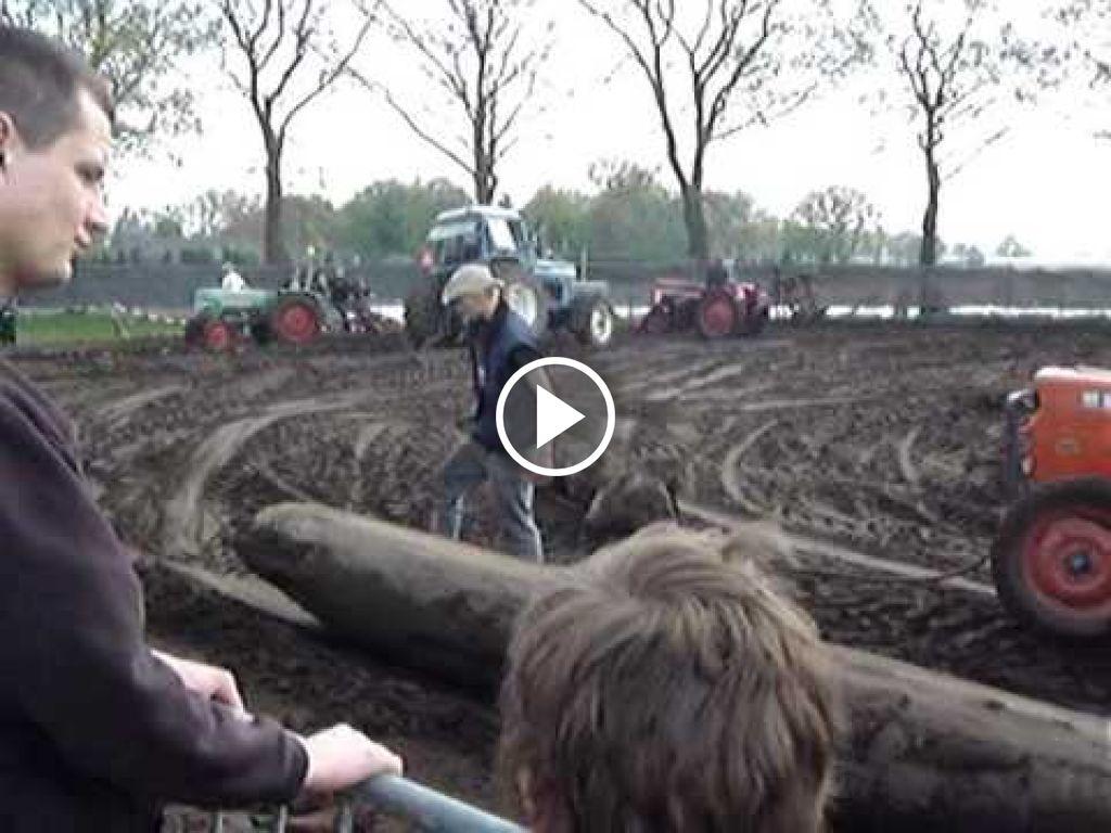 Video John Deere 5020