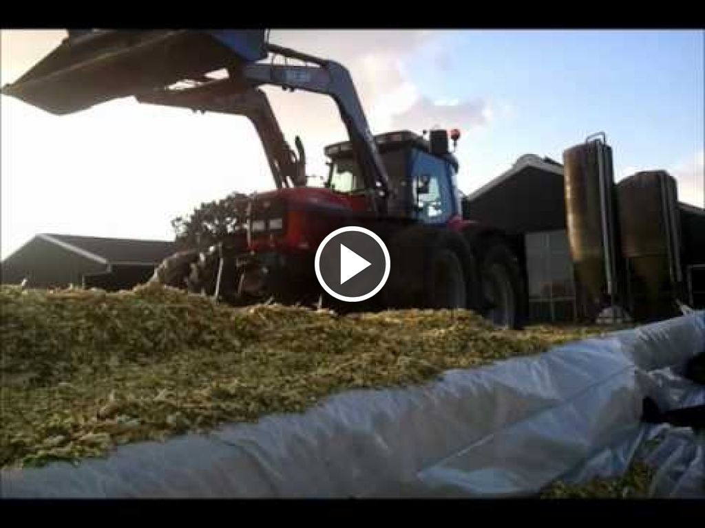 Vidéo Massey Ferguson 8220