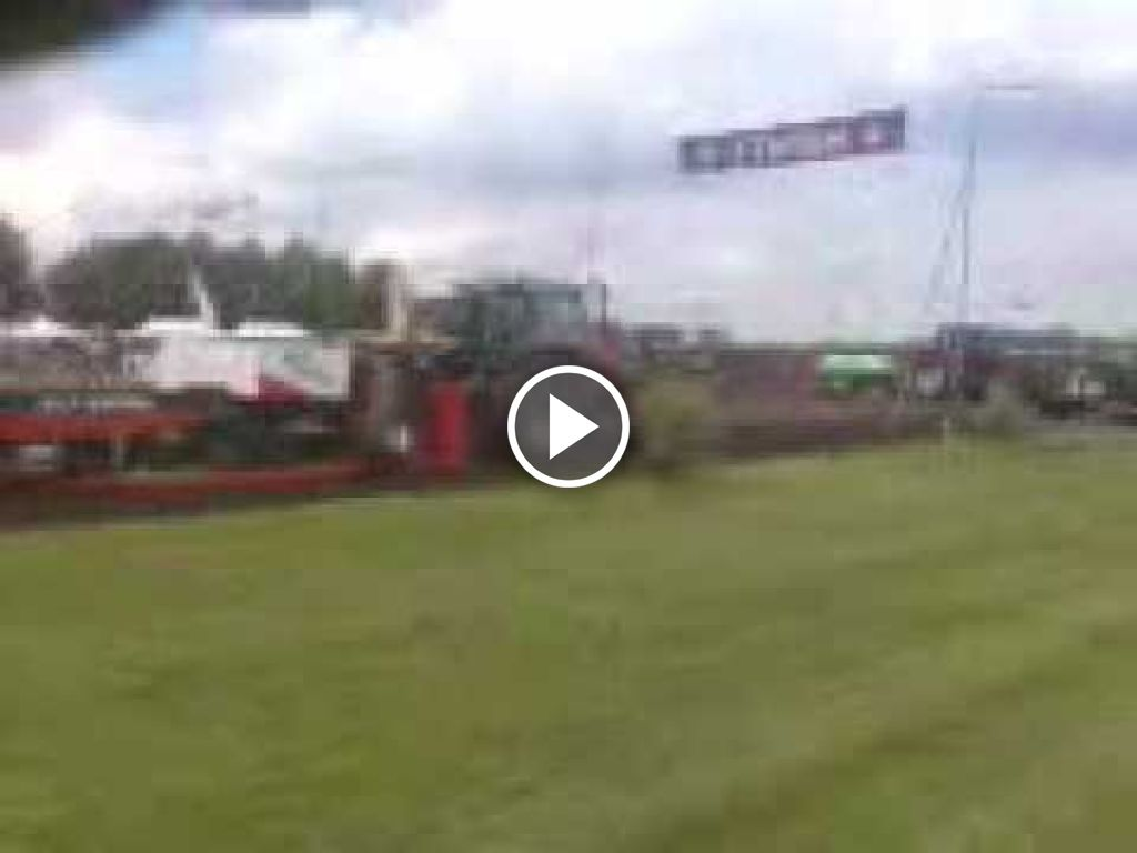 Vidéo Massey Ferguson 3655