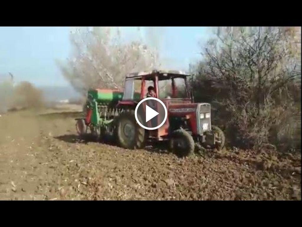 Vidéo Massey Ferguson 240