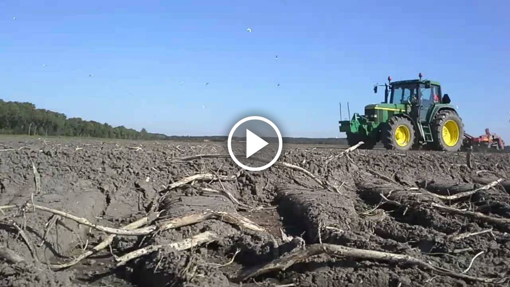 Video John Deere Lady