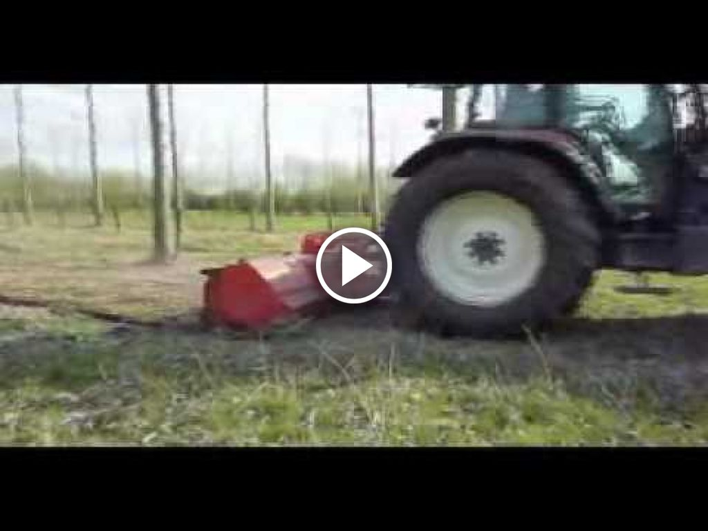 Video New Holland M 160