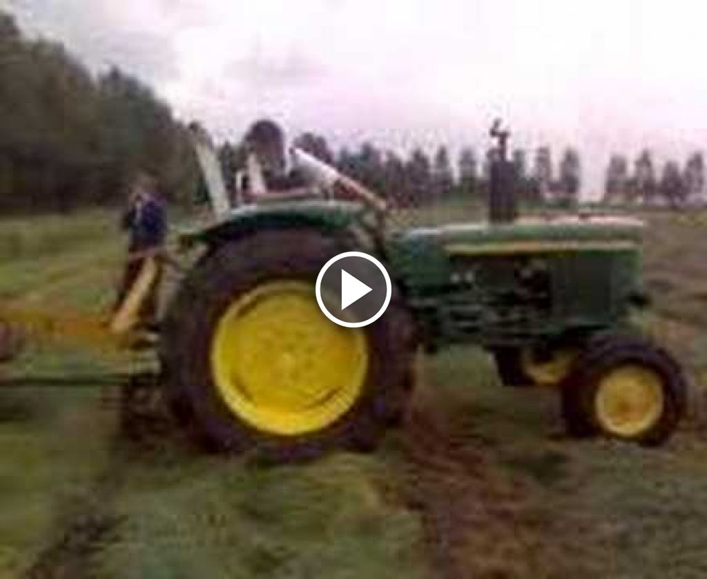 Wideo John Deere 2130