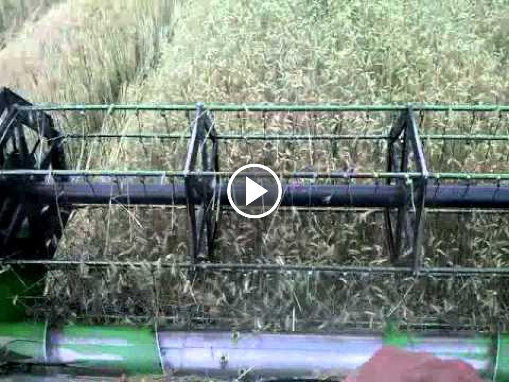 Wideo John Deere 1075