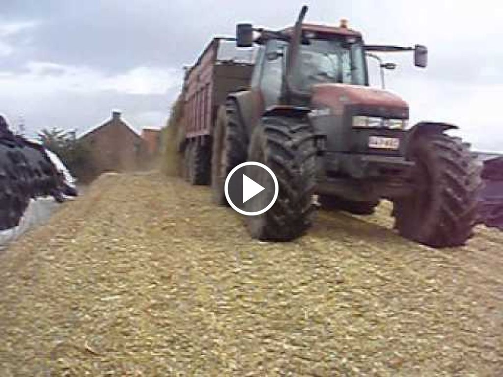 Video New Holland M 135