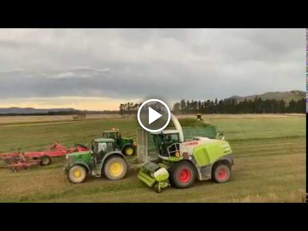 Video Claas Xerion 4500