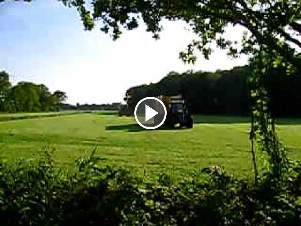 Video New Holland FX 48