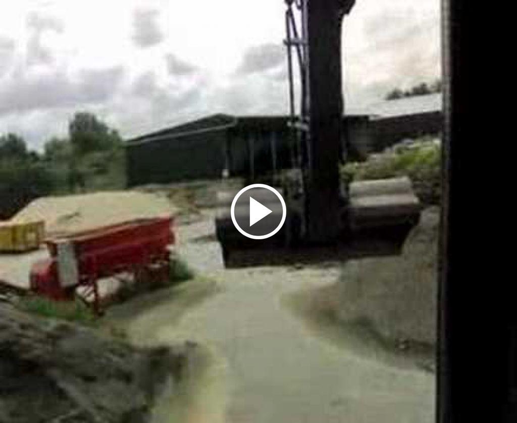 Video Volvo EW 160