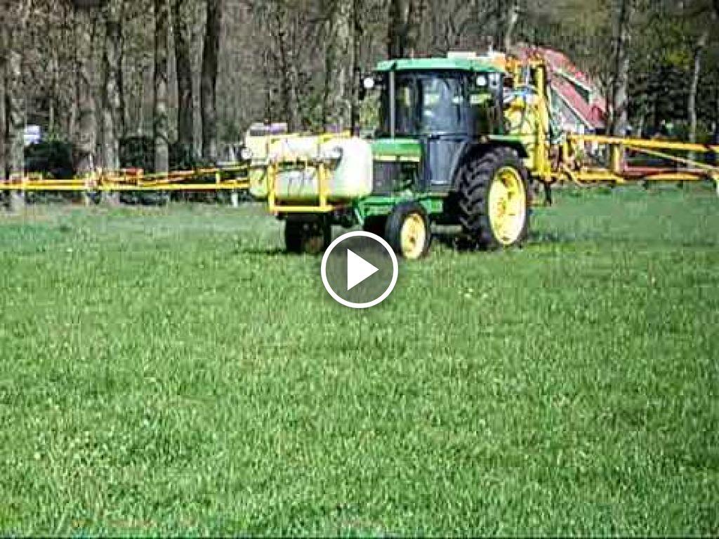 Wideo John Deere 2250