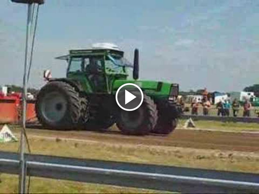 Video Deutz-Fahr DX 8.30
