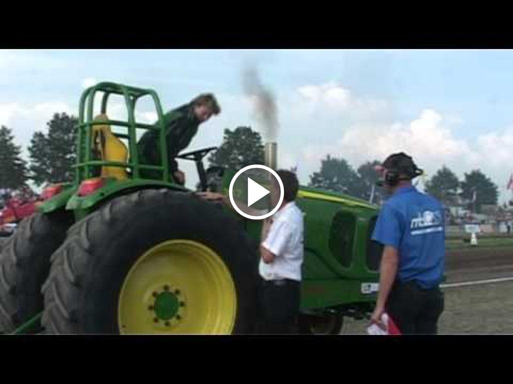 Video John Deere 7520