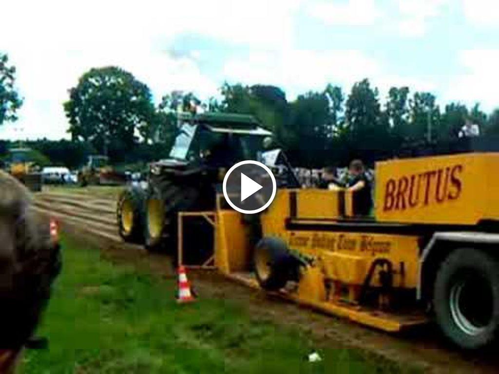 Wideo John Deere 4055