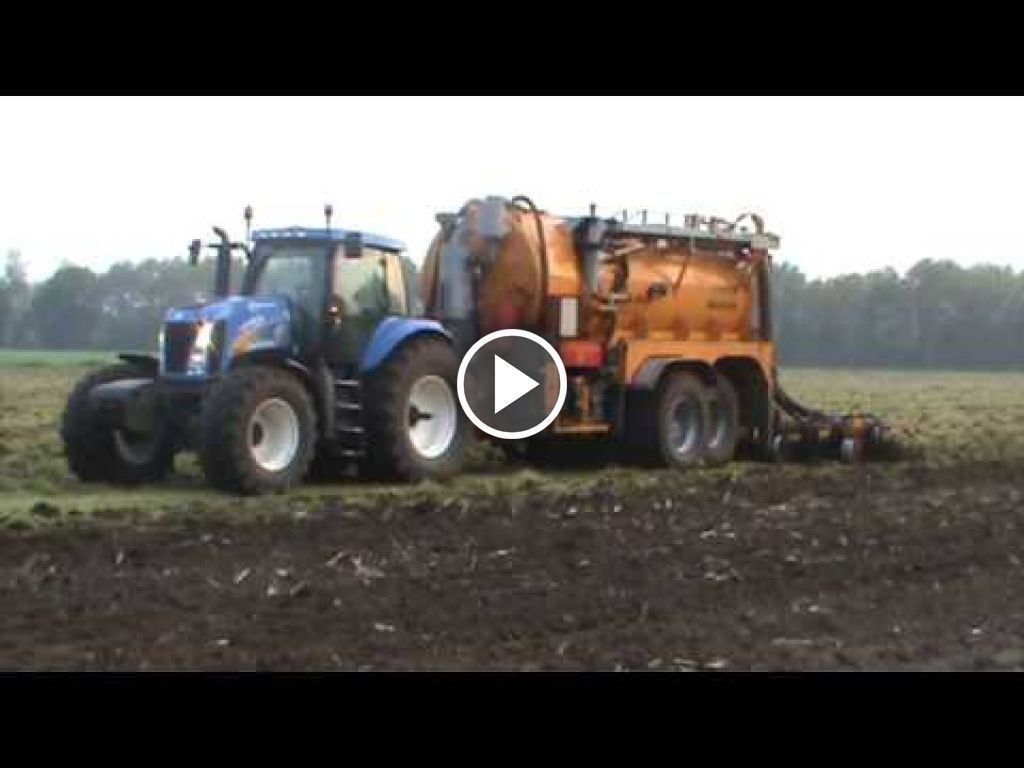 Video New Holland T 8020