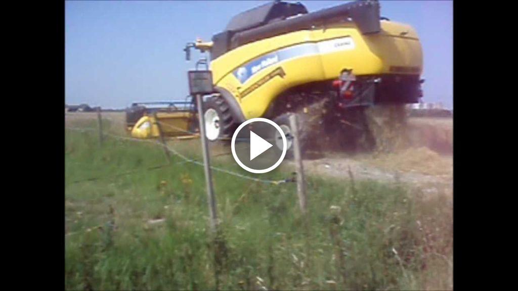Video New Holland CX 8060