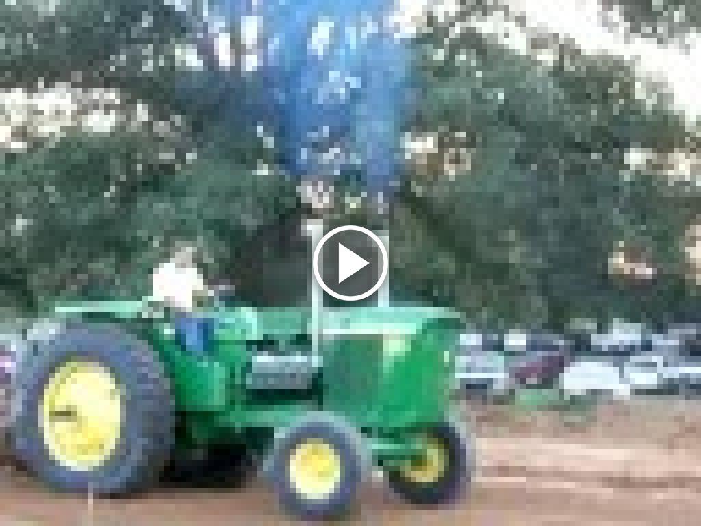 Wideo John Deere 5020