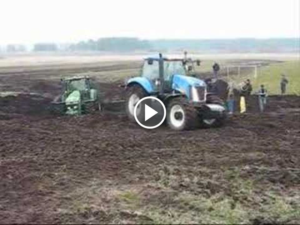 Video New Holland T 8000