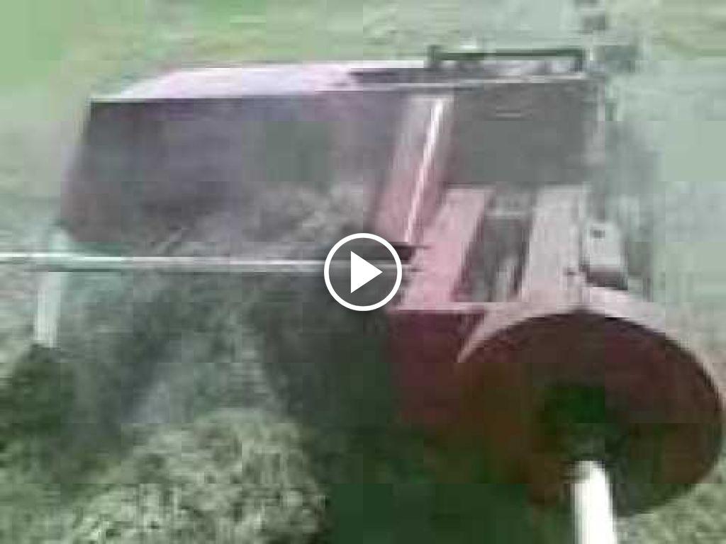 Video Volvo BM 400