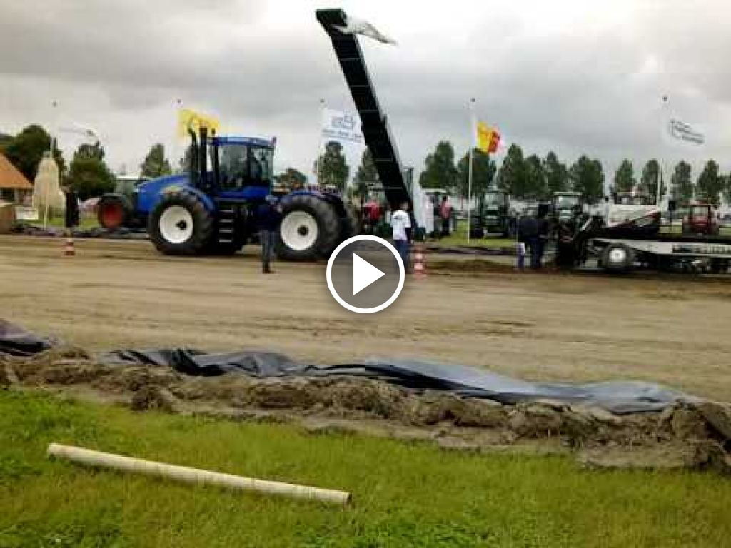 Video New Holland T 9040
