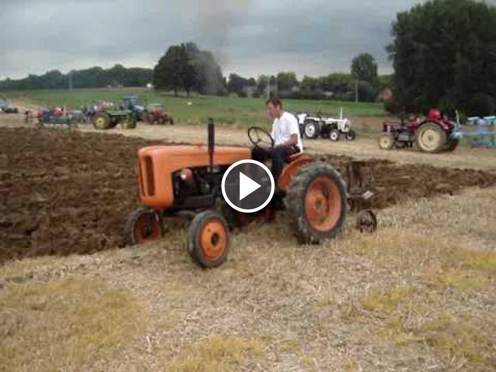 Video Fiat 211R
