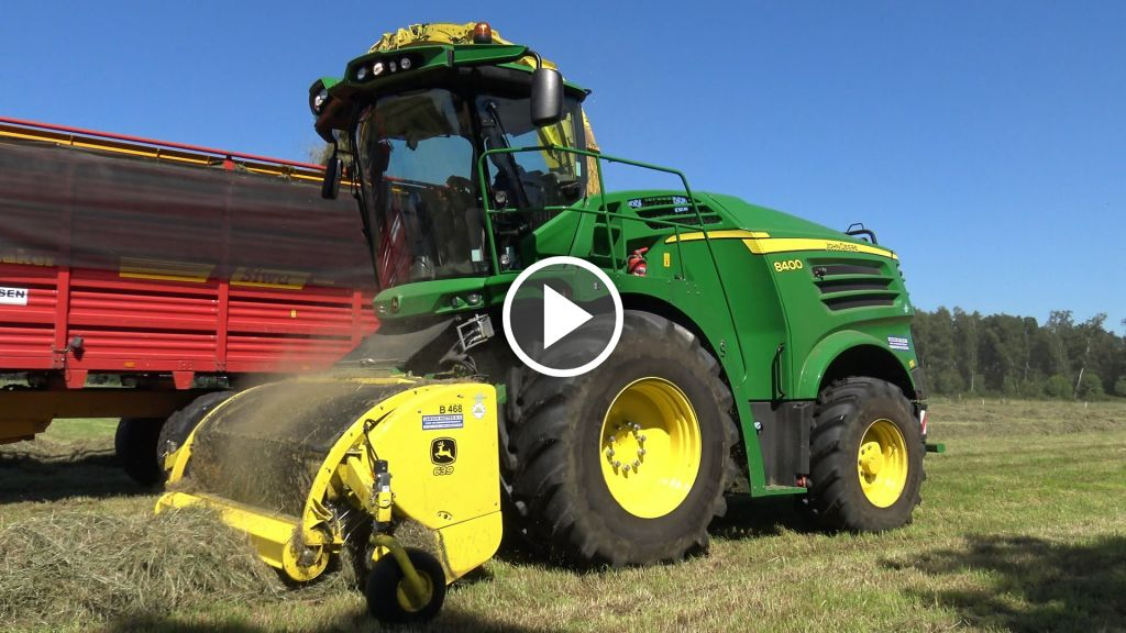 Video John Deere 8400