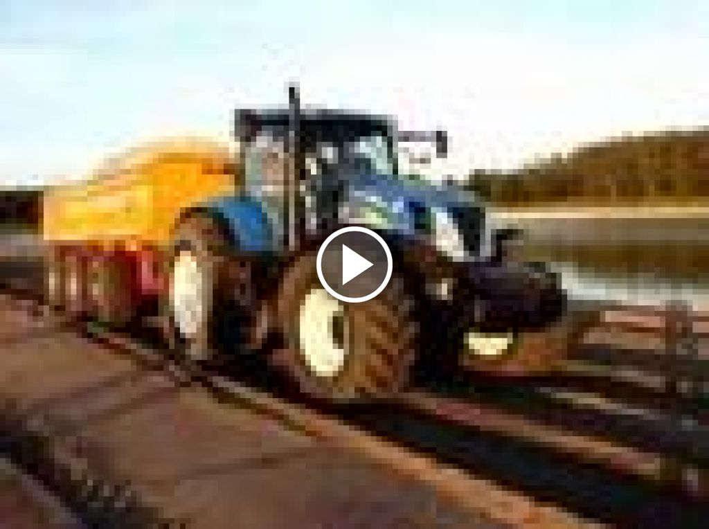 Video New Holland T 7000